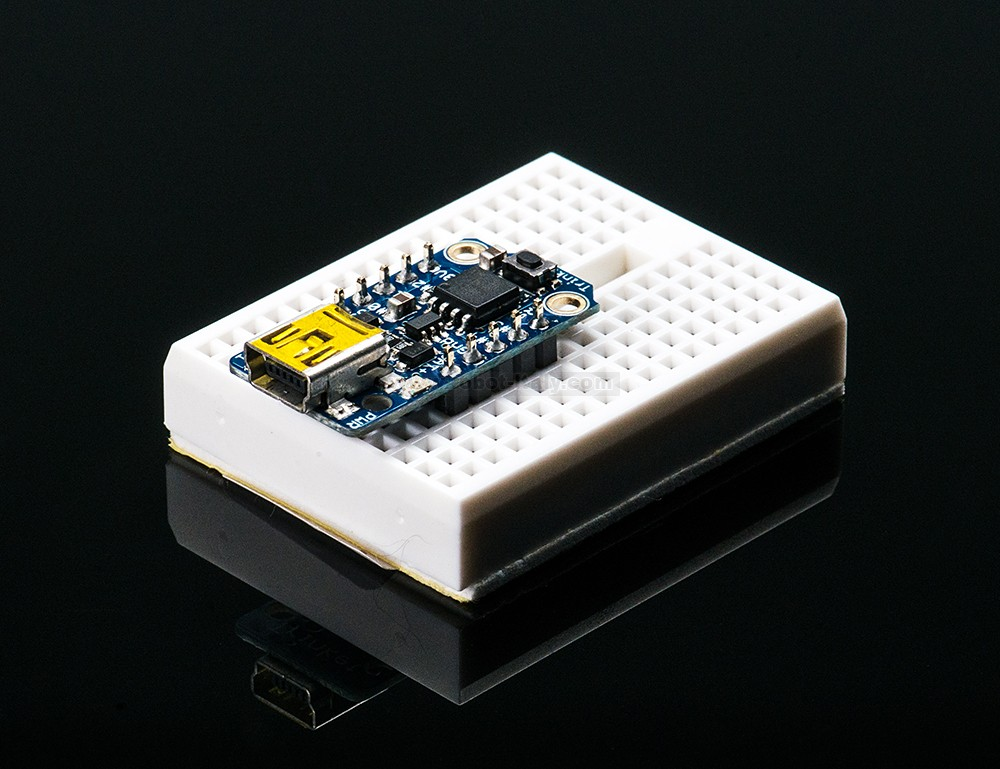 Adafruit trinket mini microcontroller v